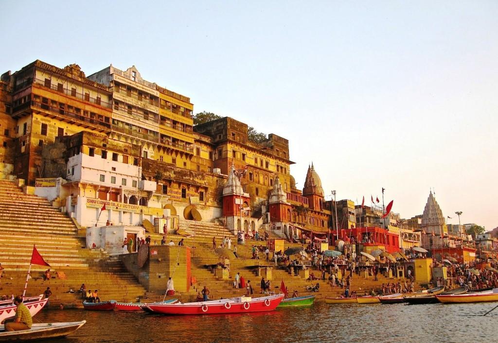 Varanasi Ghats Image Credits: http://indianlandscapes.com