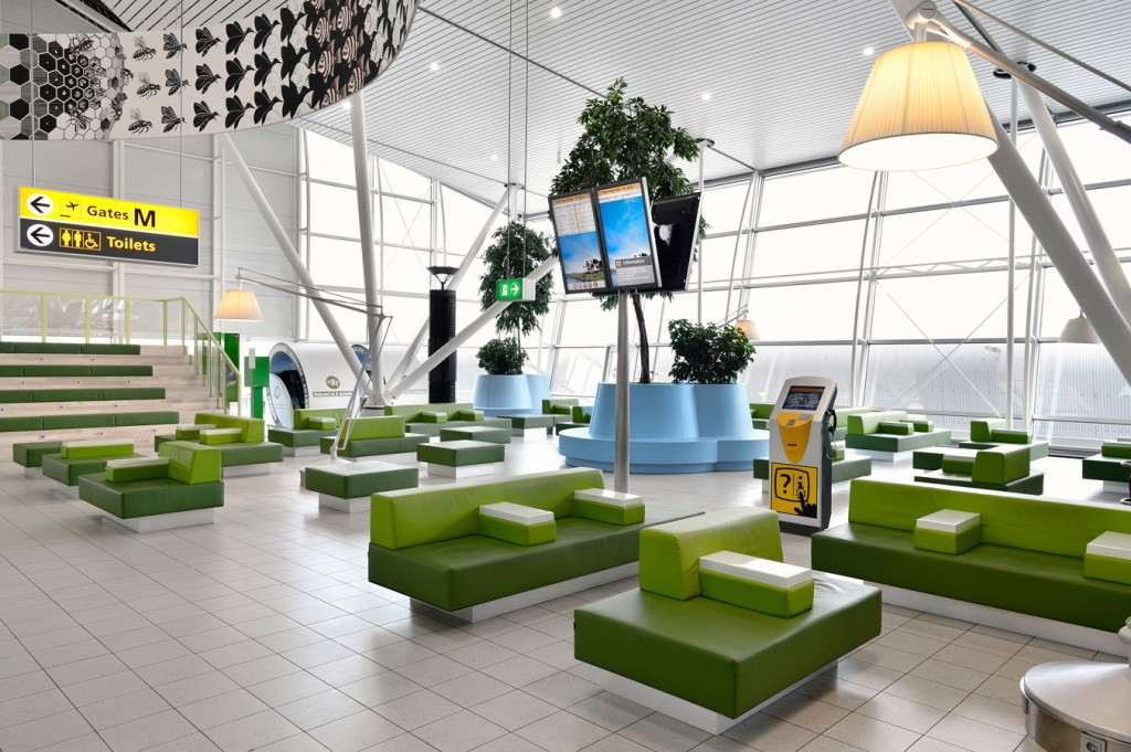 One of the lounges at Schiphol Image Credits: tjep.com/studio/works/interiors/schiphol