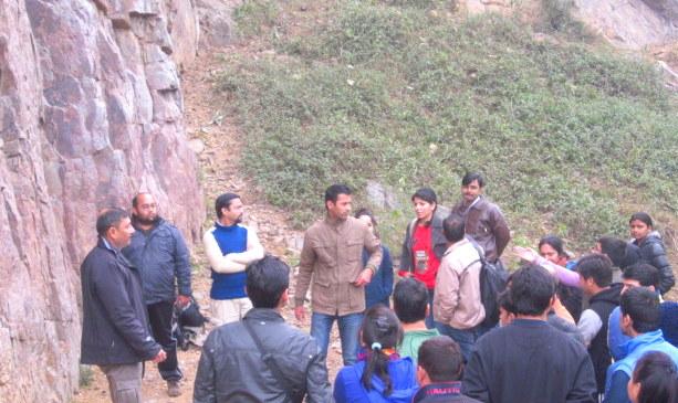 Rock climbing Guru briefs about the task ahead!