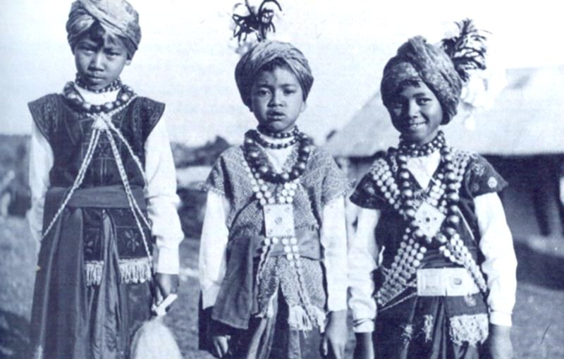 An image of Khasi children captured in 1944 Image Credits: Wikipedia.org