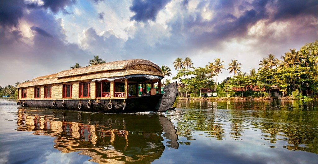 Alluring Alleppey Backwaters
