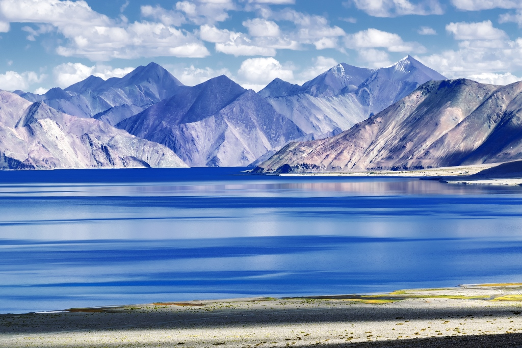 The many colors of Pangong Tso