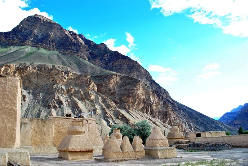 Tabo_monastery_and_surroundings_1