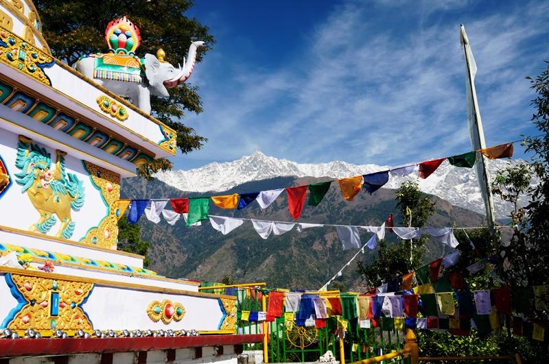 shutterstock_42013966-kalaczakra-temples-in-dharamsala-mcleod-ganj
