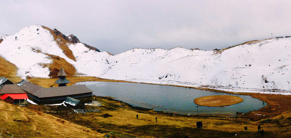 Prashar Lake Trek in Winter Snow