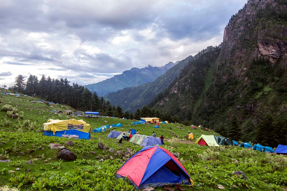 Camping on the trek from Kasol to Kheerganga