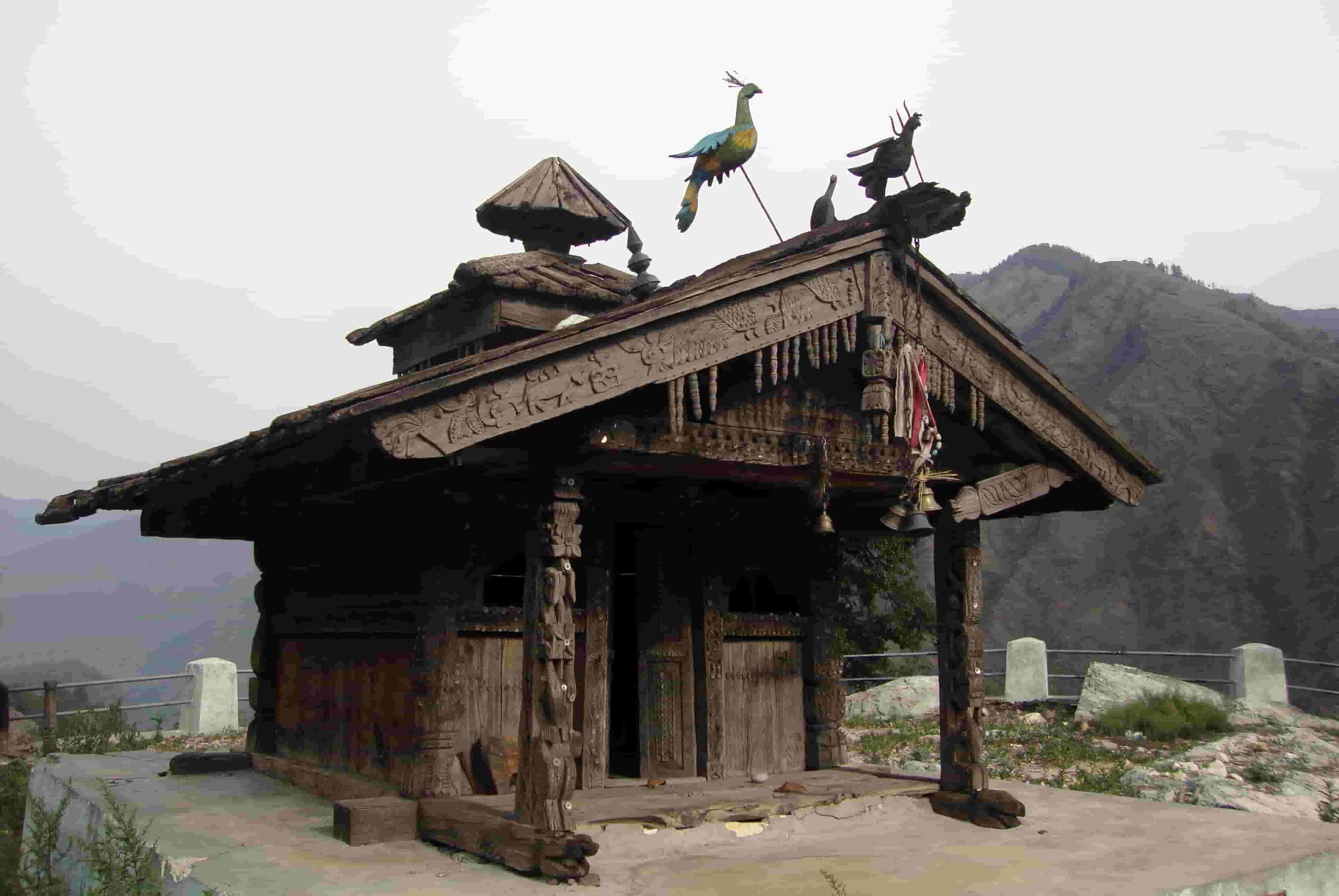 Old wooden temple in Sankri